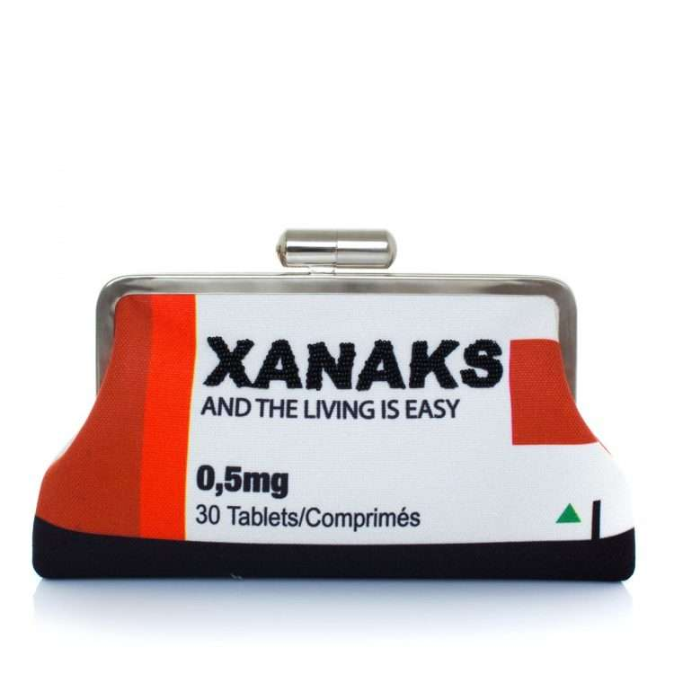 xanaks red classic bags red white classic day handwork retail therapy front