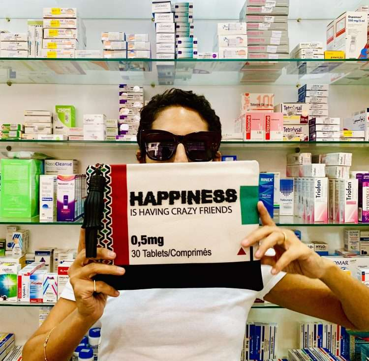 HAPPINESS POUCH INSITU
