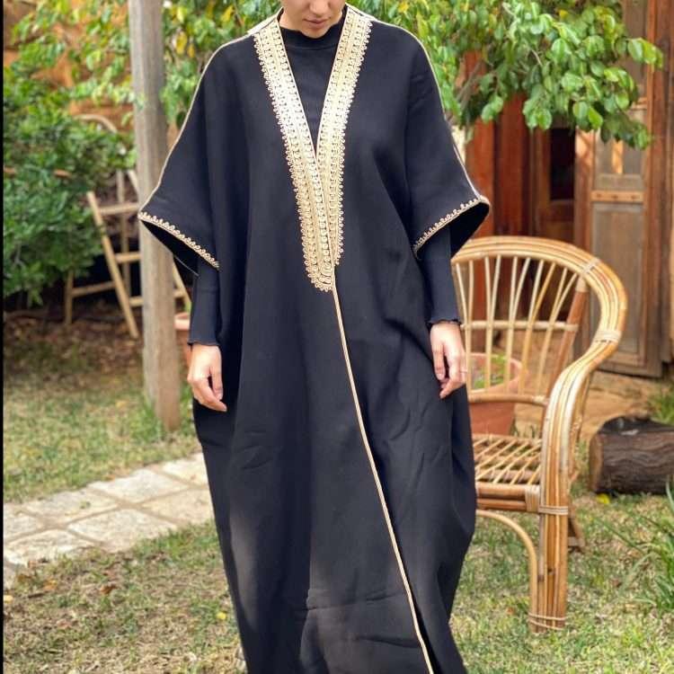 Jog Abaya gold on Black
